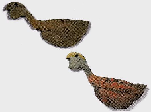 纒向石塚古墳 鶏形木製品