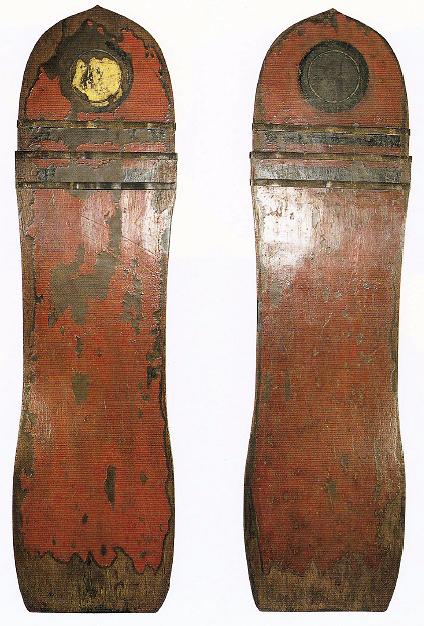 大神神社 朱漆金銅装楯