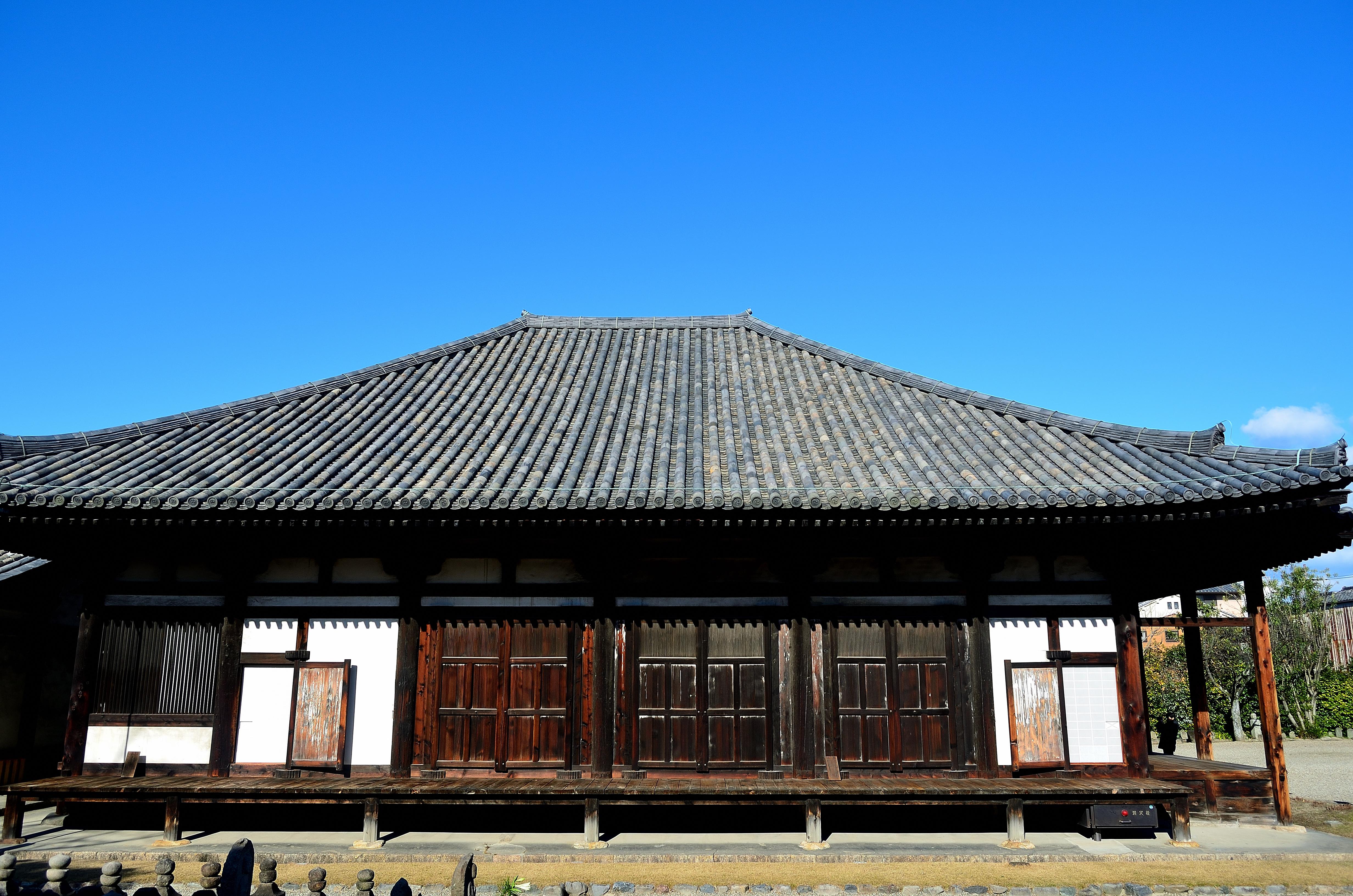 元興寺 極楽堂(側面)