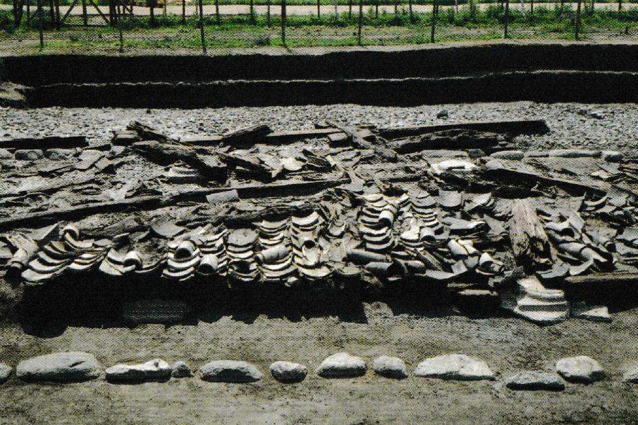 山田寺跡 東面回廊の落下瓦